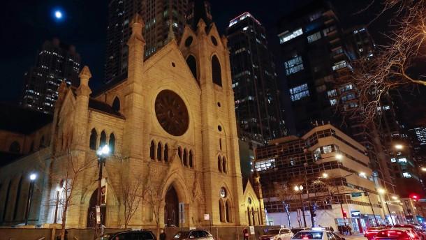 Fast 700 Geistliche sollen Kinder missbraucht haben