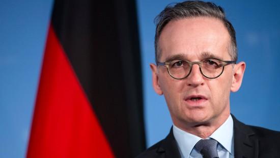 """Maas spricht von """"herbem Rückschlag"""" für Demokratie"""