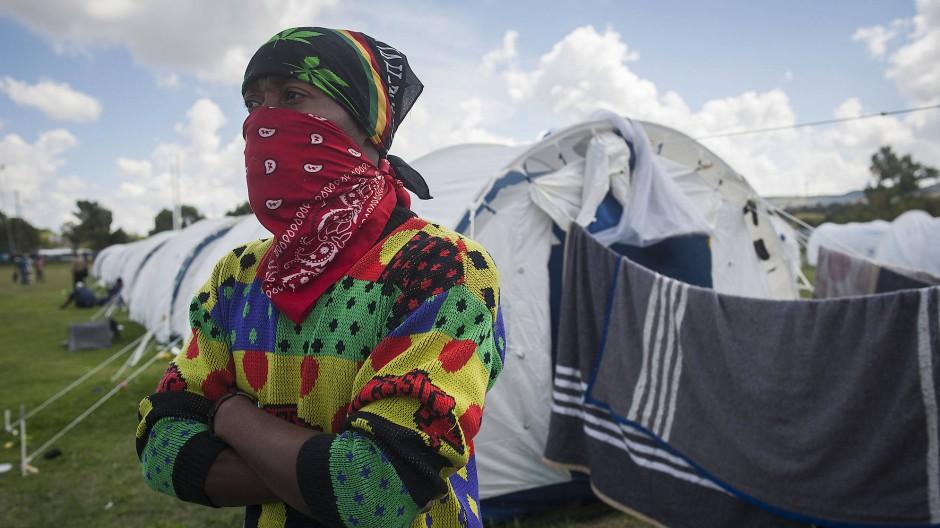 Zur wirtschaftlichen Not kommt Angst vor Ansteckung: Südafrika versorgt Obdachlose mit Zelten, um das Coronavirus unter Kontrolle zu bringen.