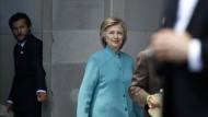Hillary Clinton wird die E-Mail-Affäre nicht los.