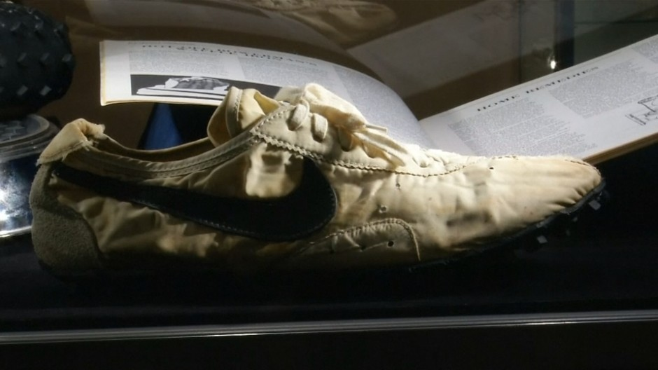 """Moon Shoes"" brechen bei Auktion alle Rekorde"