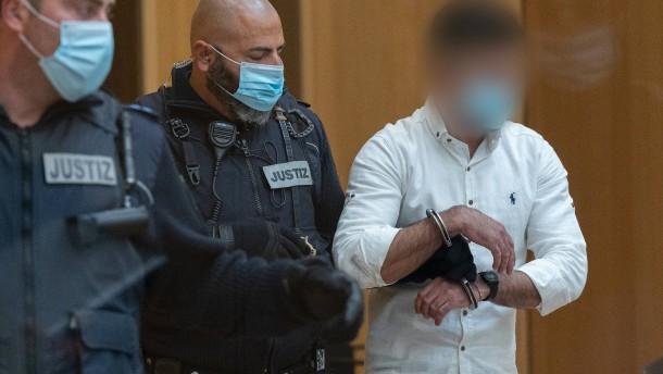 """Mehrere Jahre Haft für linken Angriff bei """"Querdenker""""-Demonstration"""
