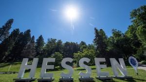 """""""Hessen""""-Buchstaben gehen auf Reise durch das Land"""