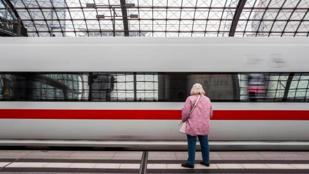 Bahn-Konkurrent fordert Bahn-Zerschlagung