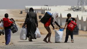 Fast die Hälfte aller Syrer auf der Flucht