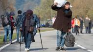 Flüchtlinge an der österreichisch-deutschen Grenze. Im Verhältnis nimmt Österreich mehr Asylbewerber auf als Deutschland.