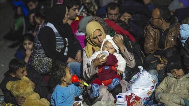 EU will weitere Flüchtlingszentren auf Balkanroute schaffen