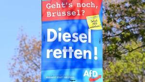 Bremer AfD-Politikerin beim Plakatieren attackiert