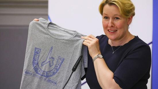 Ein T-Shirt im Blickpunkt