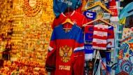 Goldene Zeiten? Trikots in einem Moskauer Souvenirgeschäft