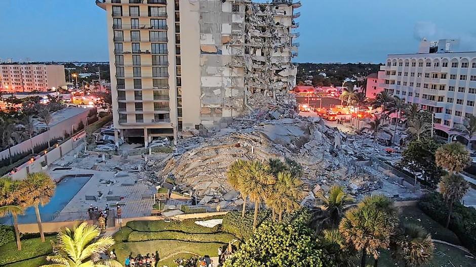 Bislang wurden 24 Tote aus den Trümmern des Champlain Towers geborgen.