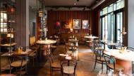 Blick ins Restaurant Leuchtendroter im Hotel Lindley Lindenberg.