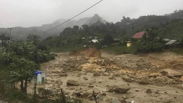 """Mehr als 30 Tote und viele Vermisste nach Sturm """"Molave"""""""