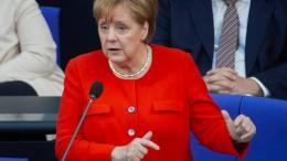 So kühl kontert Merkel die AfD-Rücktrittsforderung