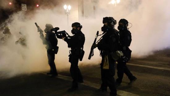 Trump droht Protestierenden mit bis zu zehn Jahren Haft