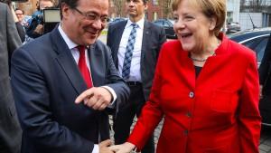 So will Merkel Rot-Grün in Nordrhein-Westfalen kippen