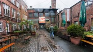 Wohnen statt werben: Hamburgs neue Bürgerwehr