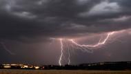 Gewitter und Starkregen ziehen über Hessen
