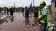 Unwetter überschwemmen Westküste