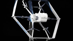 Amazon will bald erste Pakete per Drohne zustellen