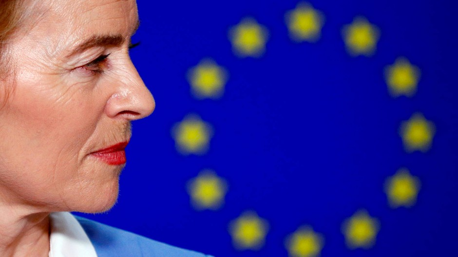 Ursula von der Leyen muss weiter Zittern – in knapp einer Woche wird das EU-Parlament wählen.
