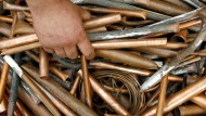 So billig wie seit 2010 nicht mehr: Kupfer fällt auf unter 6200 Euro die Tonne.