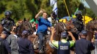 Den Anhängern entgegen: Jair Bolsonaro am 31. Mai 2020 in Brasília