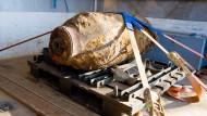 Die Vergangenheit kehrt zurück: Am Donnerstag stießen Bauarbeiter auf die 500 Kilogramm schwere Fliegerbombe.