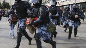 Polizei nimmt prominenteste Kritiker Putins fest