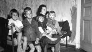 Der Vater fehlt, die Not ist groß: Eine Familie in der Nachkriegszeit