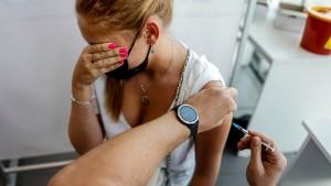Kassenärzte fordern STIKO-Empfehlung für dritte Impfung