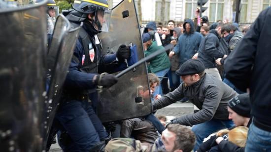 Ausschreitungen bei Demonstration gegen Homoehe