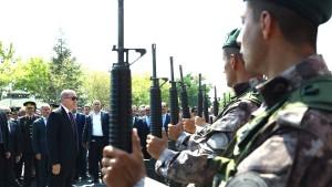 Erdogan entlässt knapp 1400 Soldaten unehrenhaft