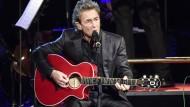 Peter Maffay singt Über sieben Brücken