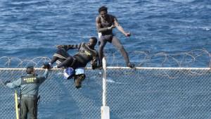 185 Afrikaner stürmen in Ceuta auf spanisches Gebiet