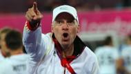 """""""Das Ding kann richtig abheben"""": Markus Weise will helfen, dem Fußball eine """"neue Heimat"""" zu geben."""