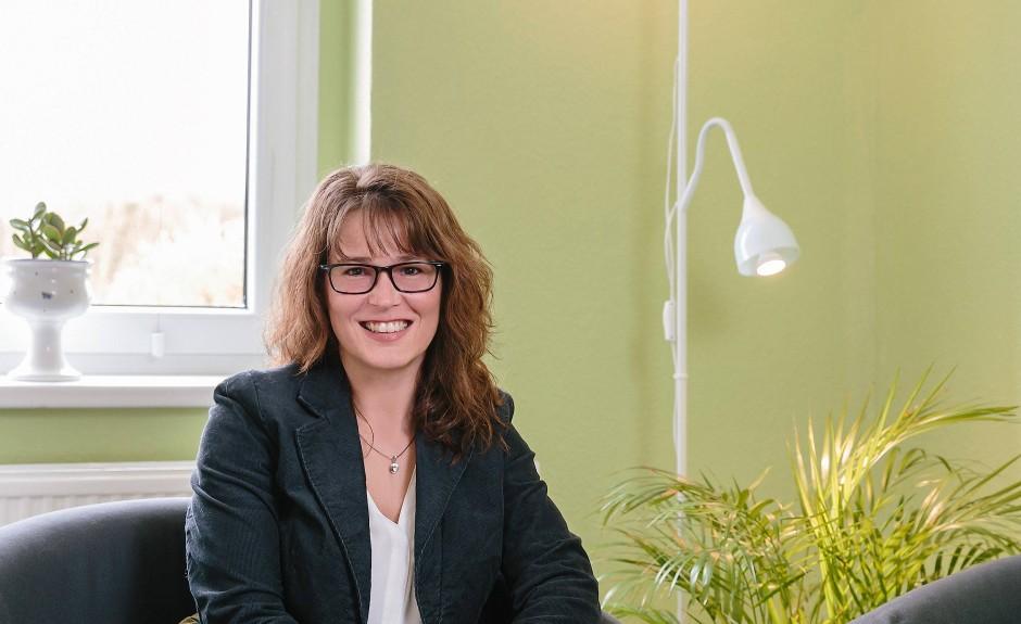 Sandra Jankowski ist Psychotherapeutin in Zeuthen. Sie hält nun viele Therapiesitzungen per Videochat mit ihren Patienten ab.