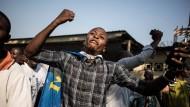 Jubel in Kinshasa: Anhänger Jean-Pierre Bembas nach dessen Freilassung