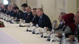 Türkei schließt Grenze zu Griechenland und Bulgarien