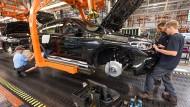 Der Konzern baut in Großbritannien den Mini und Rolls-Royce-Fahrzeuge.