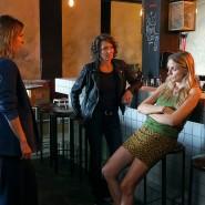 """""""Unter Wölfen"""": Die Kommissarinnen Johanna Stern (Lisa Bitter, links) und Lena Odenthal (Ulrike Folkerts, mitte) ermitteln im Nachtclubmilieu."""