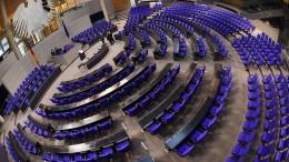 Kritik an Kosten für vergrößerten Bundestag