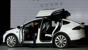 Verleiht das Model X Tesla Flügel?