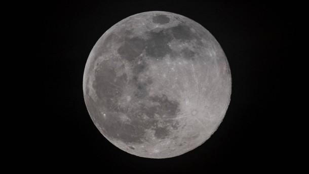 Die seltsame Ähnlichkeit von Mond und Erde