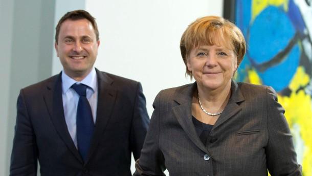Merkel will härtere Steuerregeln für Schweiz