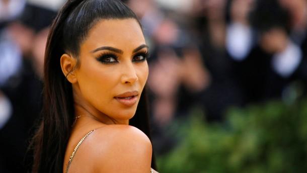 Kim Kardashian nun offiziell im Club der Milliardäre