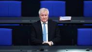 Unter Druck: Bundesinnenminister Horst Seehofer (CSU) am Donnerstag im Bundestag