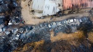 Flugzeuge besiegen Feuersbrunst