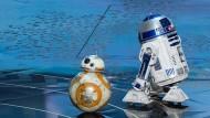 Droiden unter sich: BB-8 und R2-D2 (rechts)