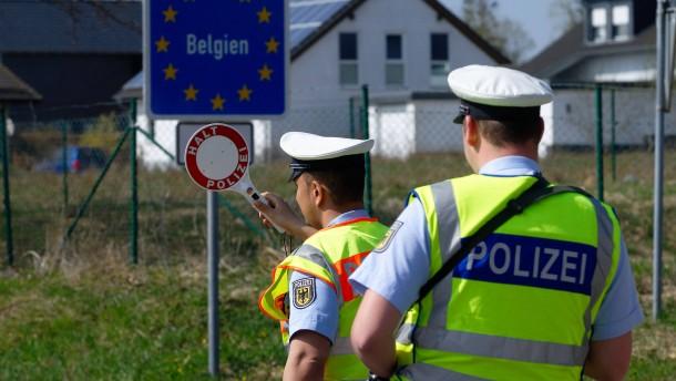 EU-Kommissar rechnet mit geschlossenen Grenzen auch im Sommer